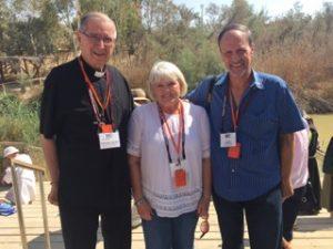 lv_pilg_2016_cardinal-mahony-with-two-pilgrims-at-the-river-jordan